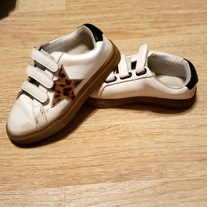 Girls velcro shoes